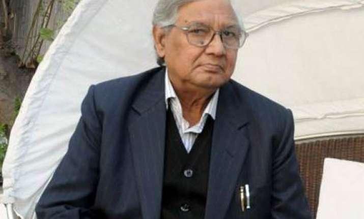 amu alumni confers lifetime award on poet shaharyar