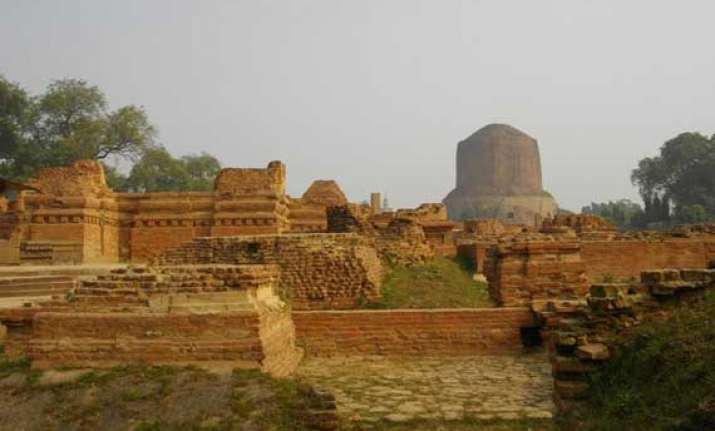 asi digs up rare sculptures at sarnath