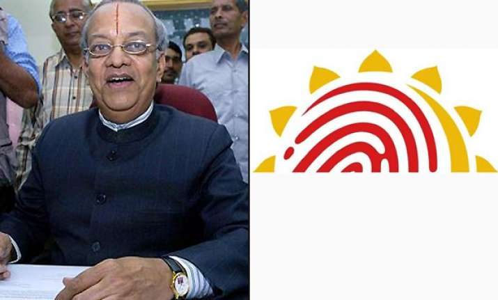 aadhar should have names of father husband for women ex cec