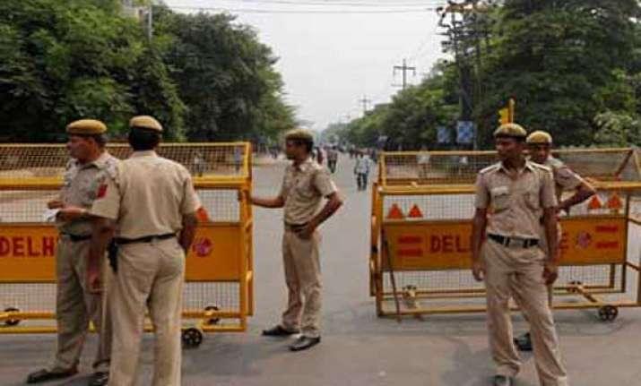 action against four delhi police officials for crime links