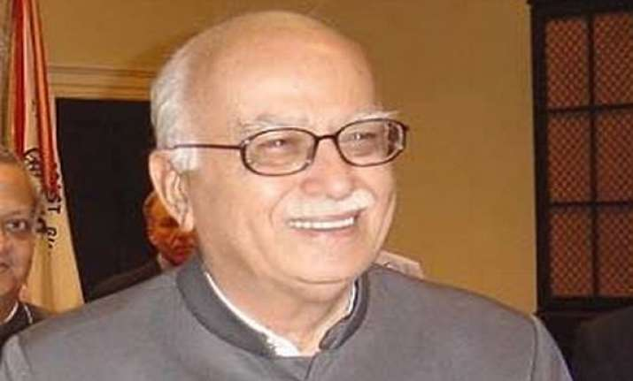advani asks congress to look at writing on the wall