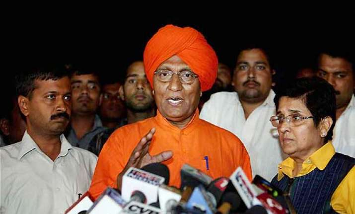 agnivesh disapproves of anna continuing fast questions