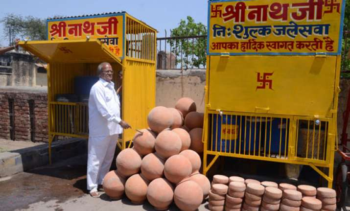 agra s free water service completes 30 years