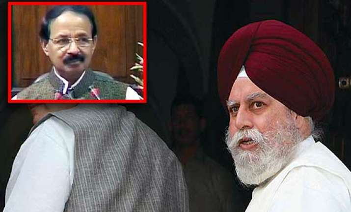 ahluwalia pushed me from behind alleges alvi