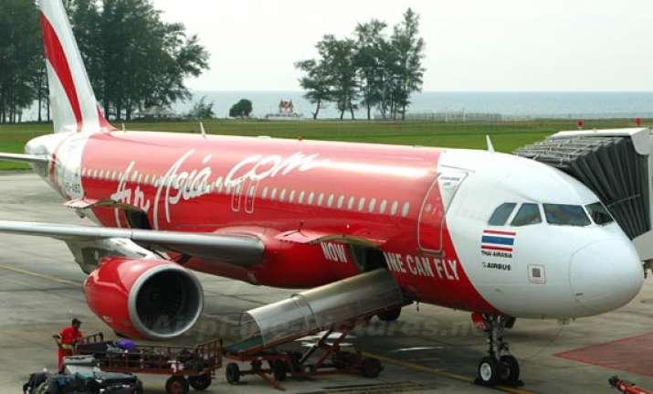air asia plane makes emergency landing in kolkata