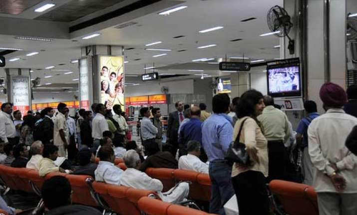 air fares to mumbai costlier by up to 80 pc