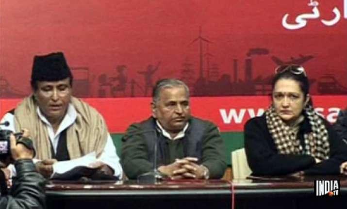 ajit singh s former aide anuradha chaudhary joins sp