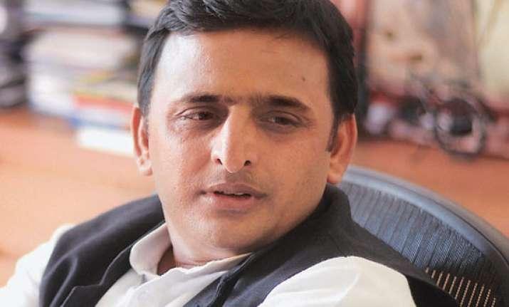akhilesh yadav blames centre for power crisis in up