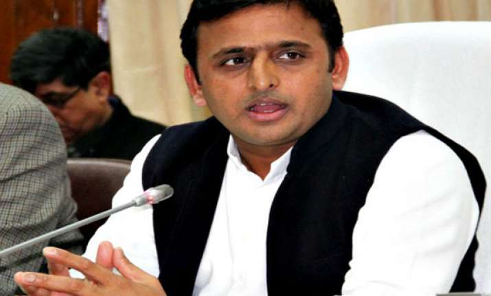 akhilesh asks police to restore confidence in people