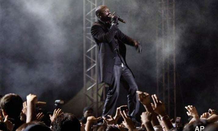 akon unleashes his magic in bangalore