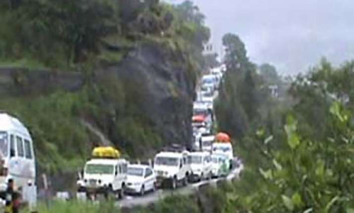 all stranded tourists rescued in rain hit himachal