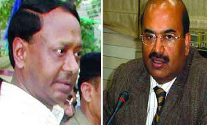 allahabad hc orders removal of noida chairman ceo directs