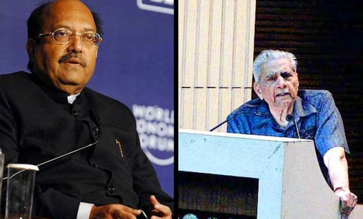 amar singh files police complaint against bhushans