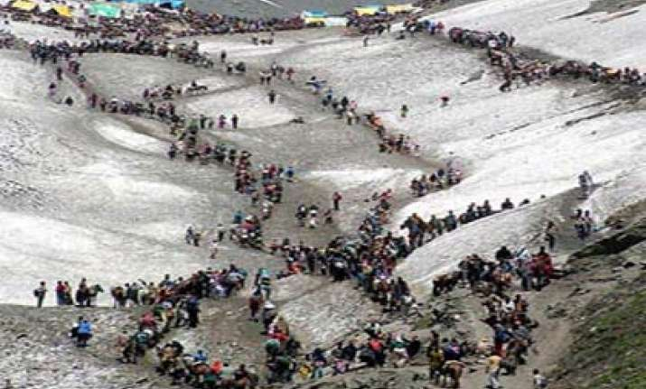 amarnath yatra cut short by 15 days religious groups protest