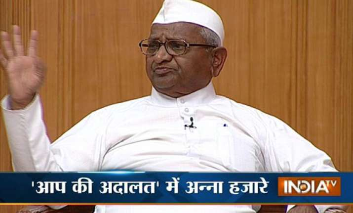 anna hazare i told kejriwal to first make delhi a model
