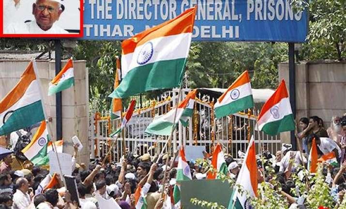 anna hazare s health condition is fine tihar official