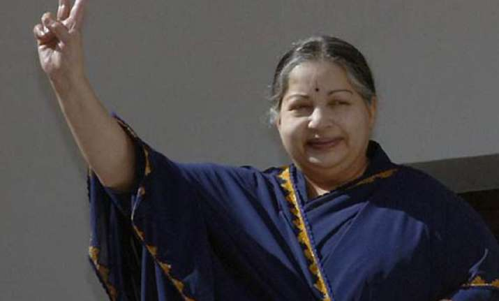 approach me i will consider jaya hints at congress