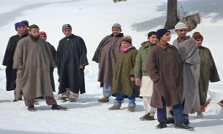army guideline on kashmiri attire triggers row