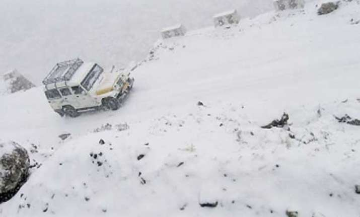 army jawans rescue 584 tourists stranded in sikkim s