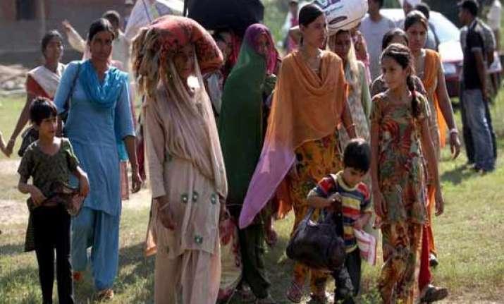 army rehabilitates 3 000 border migrants in jammu