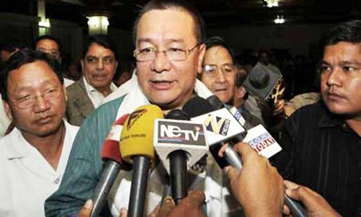arunachal pradesh chief minister resigns