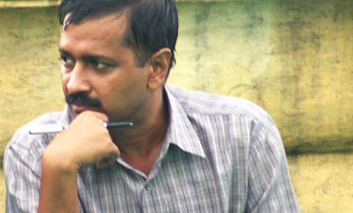 arvind kejriwal s wife transferred may lose govt flat