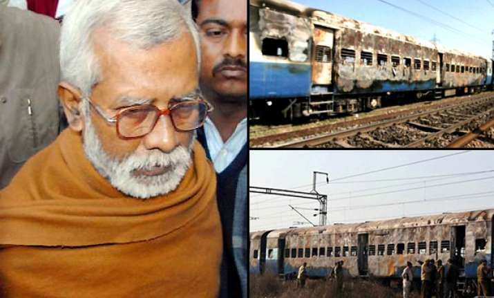 aseemanand 4 others charged in samjhauta blast case
