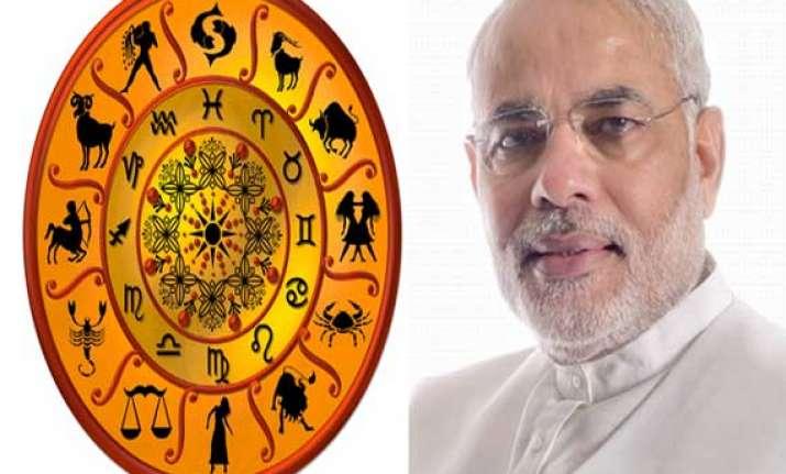 astrologers predict achchhe din for narendra modi