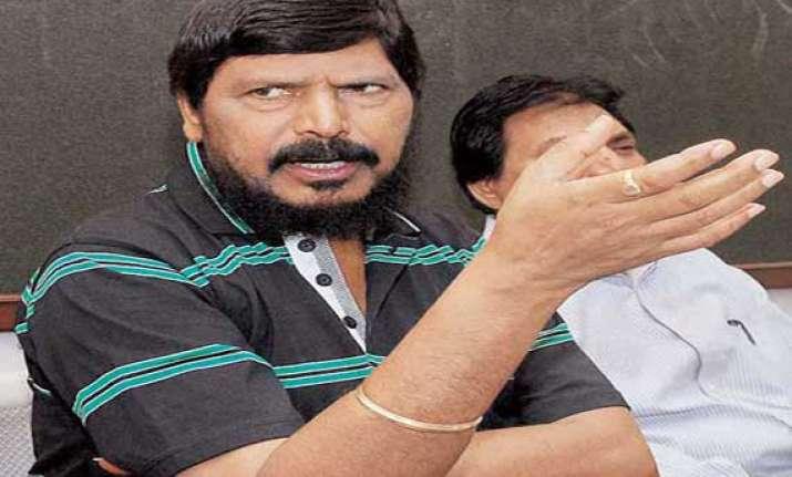 athawale led rpi may replace its satara lok sabha candidate