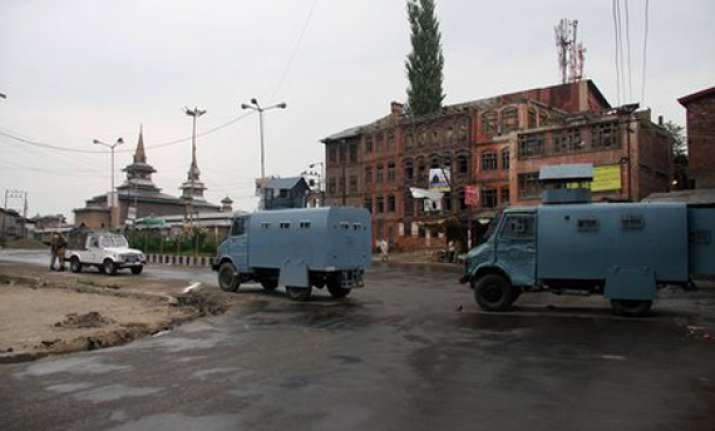 authorities impose restrictions in srinagar