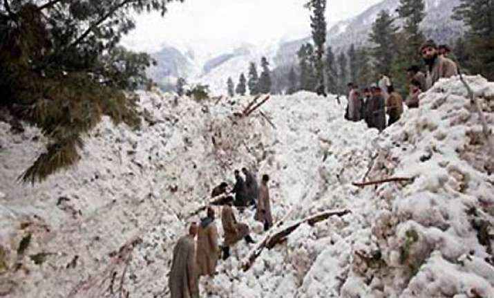 avalanches damage loc fencing in kashmir
