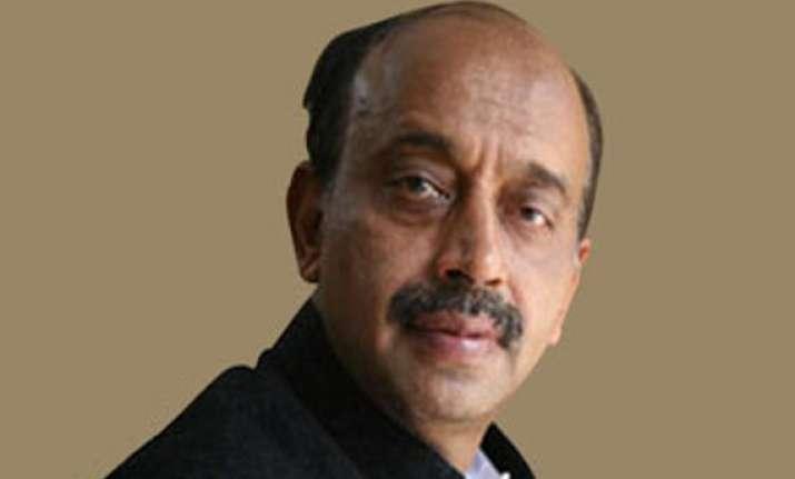 bjp internal survey shows vijay goel is favourite for delhi