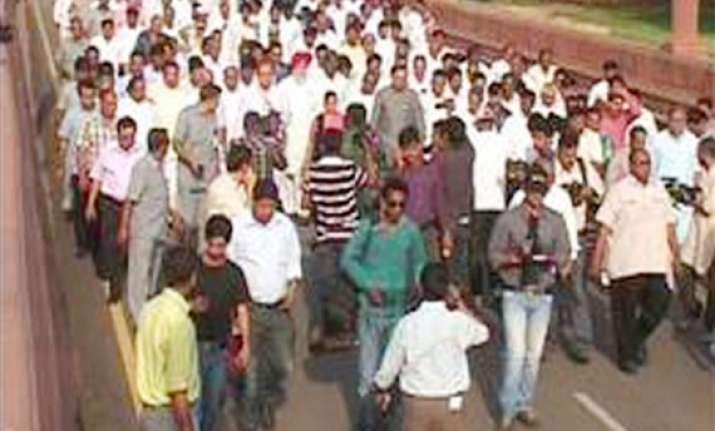 bjp mlas paraded before president bhardwaj defends decision