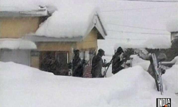 bsf officer killed six men missing in kupwara avalanche