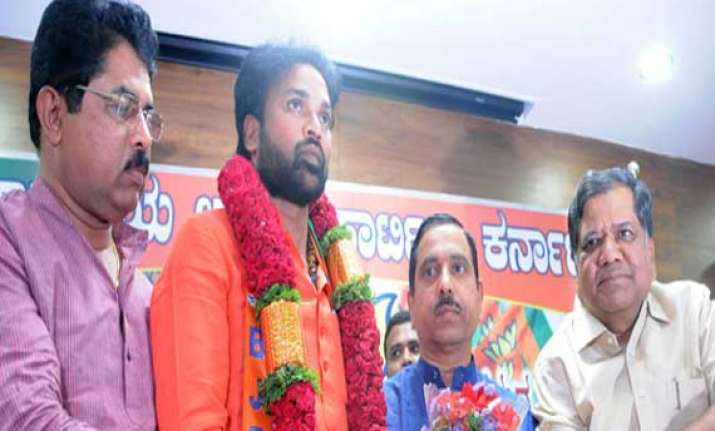 bsr congress chief b sriramulu rejoins bjp