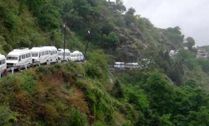 badrinath yatra halted after heavy rain