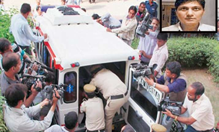 before his death delhi police inspector filed fir on spot