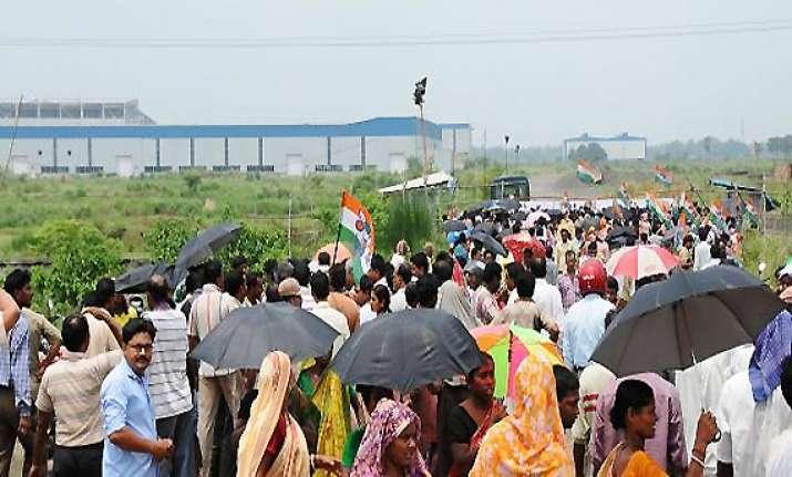 bengal exploring other ways to resolve singur land impasse