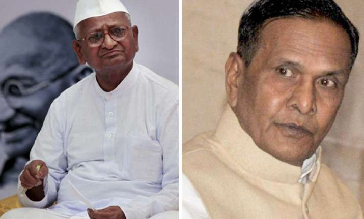 beni prasad verma challenges anna hazare to visit up