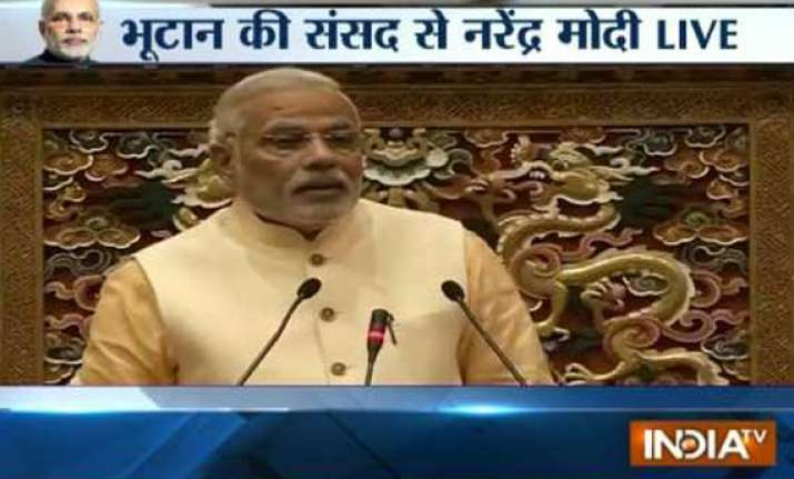 india committed to good neighbourly relations says modi
