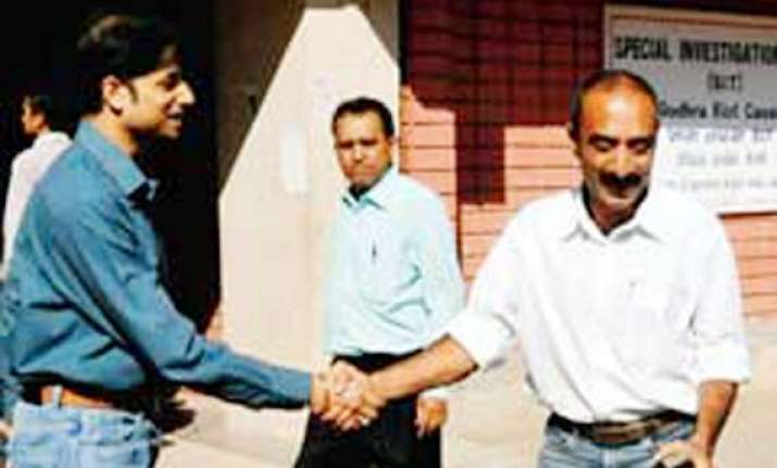 bhatt had gone to modi s residence says his driver