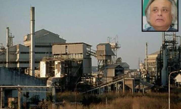 bhopal union carbide factory may be demolished says jairam
