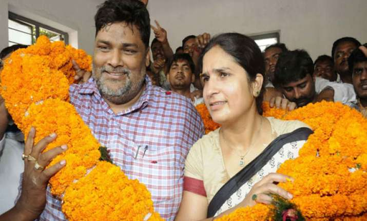 bihar couple all set to enter lok sabha