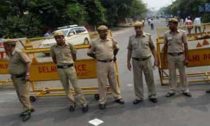 blank firing near israeli homes in delhi