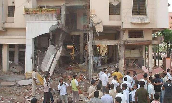 blast due to firecracker powder says nashik police