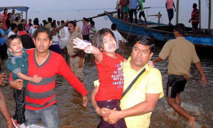 boatman arrested hc takes cognizance of hirakud boat tragedy