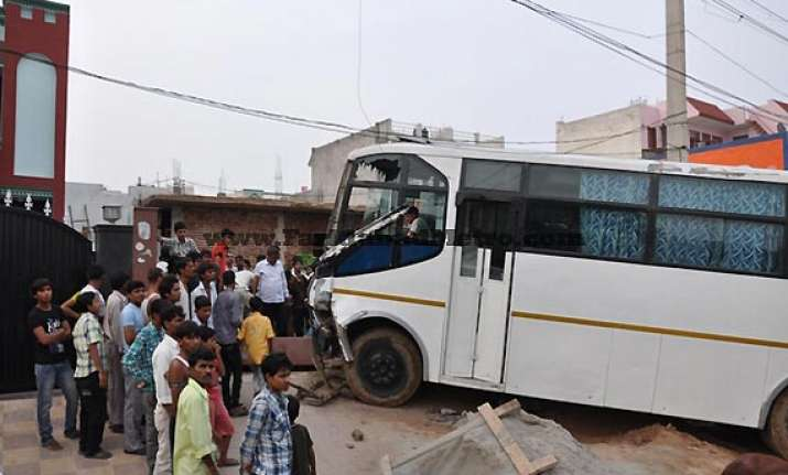 bus mows down school girl in gurgaon