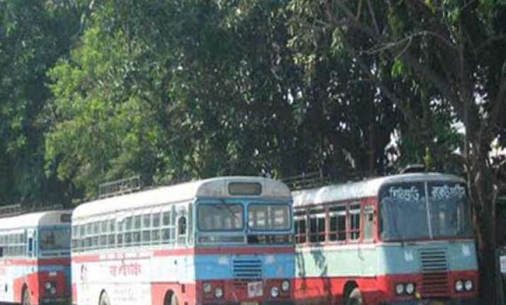 bus operators refuse to budge from 3 day strike in bengal
