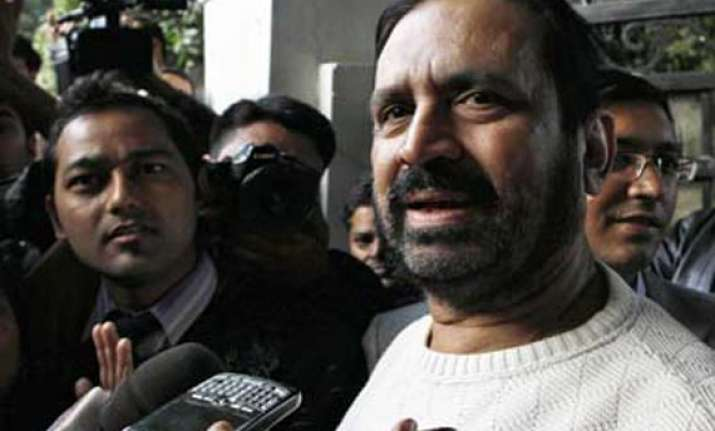 cbi questions kalmadi in over rs 70 cr cwg contracts