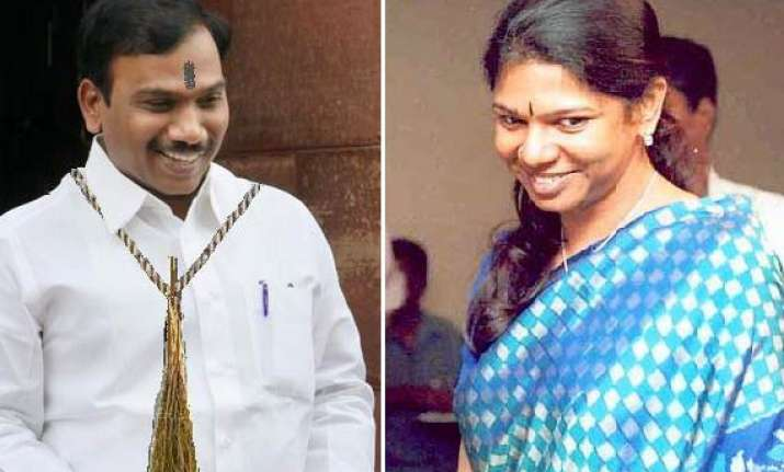 kanimozhi raja dmk tv chief got rs 200 crore bribe from db